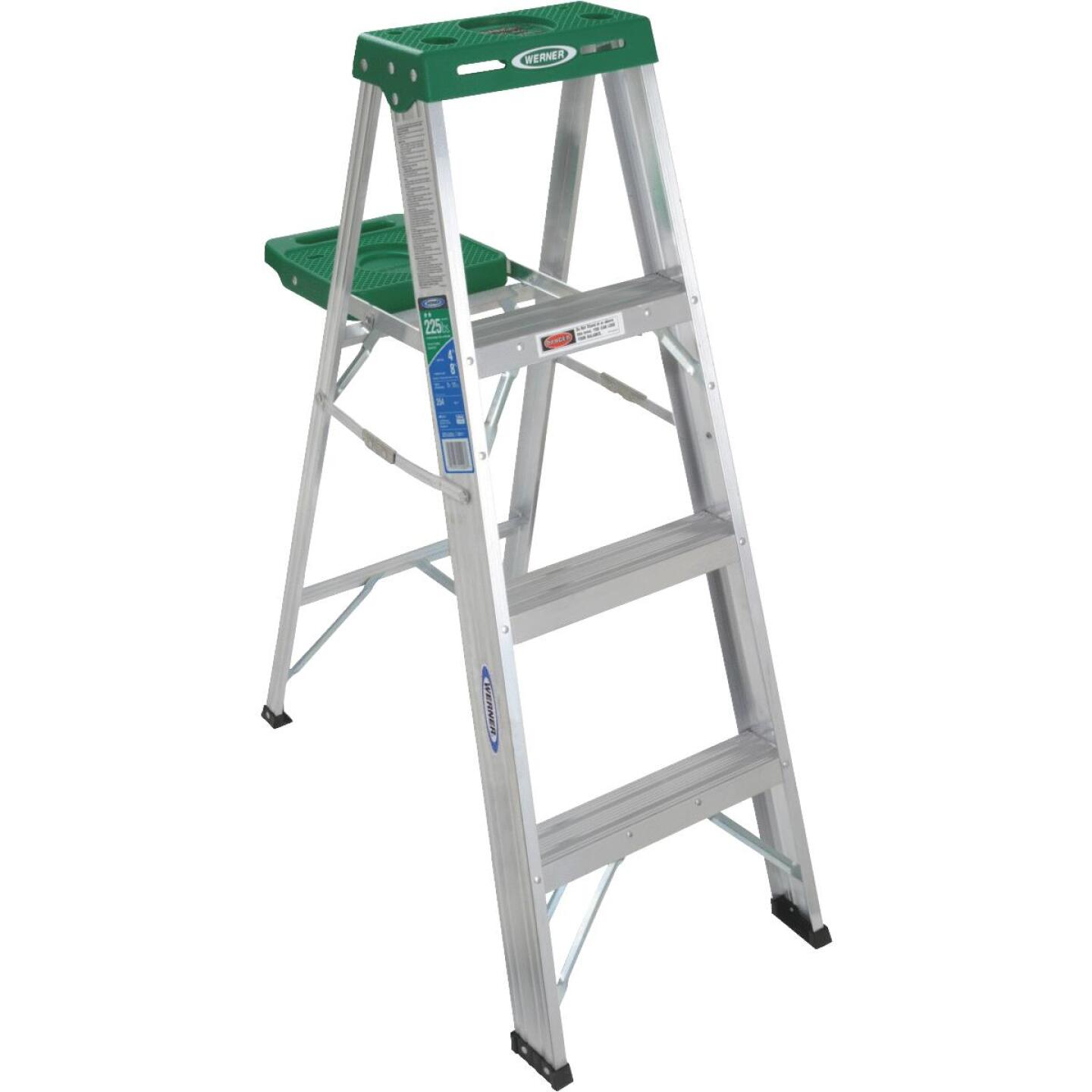 Werner 4 Ft. Aluminum Step Ladder with 225 Lb. Load Capacity Type II Ladder Rating Image 3